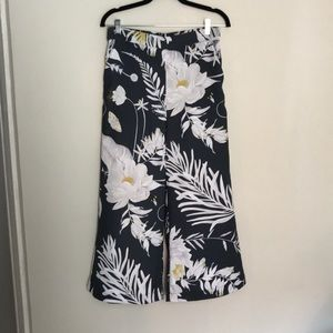 Anna Glover x H&M floral culottes